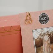 Le sachet parfumé? Un véritable petit bijoux qui s'adapte partout dans votre intérieur! Placards et armoires, voitures, aspirateurs... Vous n'allez plus pouvoir vous en passer! 💕#bridgewatercandles #bridge #bridgewatercandle #sachet #sachetparfumee #scentsachet #scent #fragrance #boho #bohochic #boheme #attrapereve #catchdreamer #lovecandle #sweetgrace #wanderlust #wishlist #cadeau #gift #home #homesweethome @beyoutiful_bloemen