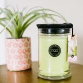 Laissez-vous porter par le délicat parfum tout doux de nos bougies parfumées! SPRING DRESS : des agrumes, du magnolia, de la pivoine et du jasmin... #bridgewatercandles #bougie #bougieparfumee #candleaddict #mode #influenceuse #youtubeuse #blogueuse #fragrance #homefragrance #blogueusemode #partenariat #pivoine #fleur #fleuriste #flowershop #conceptstore #springdress #rose #sachetparfumé #sachet #scentedsachet #beauty #testeuse #trendy #fragrance #homefragrance #ideecadeau #cadeausenteur #sachetsenteur #mode #girly
