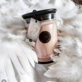 Soirée cocooning avec notre parfum SWEET GRACE : bergamote, mandarine, fruit de la passion, abricot et patchoulis! Un mélange qui donne la pêche! 🍊🍑 #bridgewatercandles #bougie #sachet #scentsachet #sacheparfume #bougieparfumee #candle #candles #bougies #bougie #candleaddict #mode #influenceuse #youtubeuse #blogueuse #fragrance #bougiesaddict #bougieparfumee #homefragrance #decoration #blogueusemode #partenariat #flowershop #conceptstore #sweetgrace #bergamote #passionfruit #cadeau #plume #ange #angel