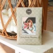 STORYBOOK DREAM : vous sentez cette délicate odeur de linge chaud, de lavande avec ces petites notes de bois de santal et de vanille? 🌬  #BridgewaterCandles #candle #candles #bougies #bougie #weekend #happyweek #candleaddict #mode #influenceuse #youtubeuse #blogueuse #fragrance #bougiesaddict #bougieparfumee #homefragrance #decoration #blogueusemode #partenariat #fleur #fleuriste #flowershop #conceptstore#babypowder #linen #lingepropre 📷@maisondabri