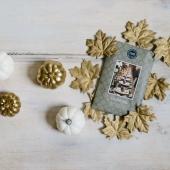 Nous avons profité du week-end pour commencer nos premières décos de Noël! #deconoel #noel #christmas #bridgewatercandles #candles #lovecandles #blogdeco #pateasel #ideedeco #sachet #sachetparfumé #scentedsachet #or #cadeaunoel #ideecadeau