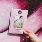 Le beau temps est de retour! ☀️  A nous les jolies petites robes estivales 👗👡  Que dites-vous de ce délicat parfum d'agrume, de magnolia, de pivoine et de jasmin? Vous laisserez-vous tenter par notre petit sachet SPRING DRESS?   #sachet #scentedsachet #sachetparfumé #parfum #interieurparfumé #decoration #ideecadeau #ete #soleil #fleurs