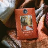 Demain c'est..... ? 🍁🍂🍁🍂🍁🍄🍁🍂🍁🍁🍂🍂🍁 AUTUMN STROLL 🍂  Le sachet parfumé...! Si celui ci n'existait pas.... et bien il faudrait l'inventer! Petit, maniable, passe partout et qui sent divinement bon! Découvrez nos délicieuses odeurs pour cette fin d'année #sachet #sachetparfume #scentsachet #bridgewatercandles #conceptstore #automne #autumn #autumnvibes🍁 #jaimelautomne #boutiquedeco #deco #bougieparfumee #bougie ➡️ Rendez-vous sur notre site www.bridgewatercandles.fr